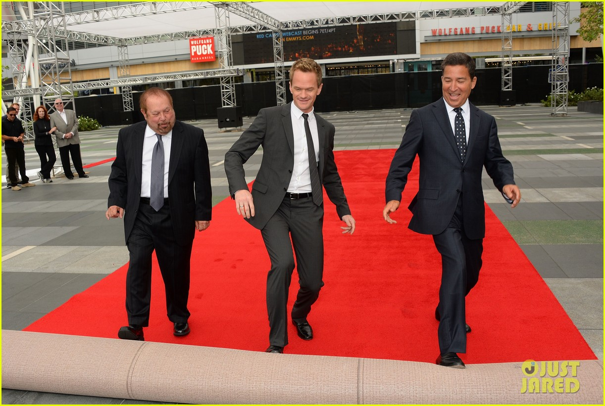 neil patrick harris rolls out the emmy awards red carpet 032954795