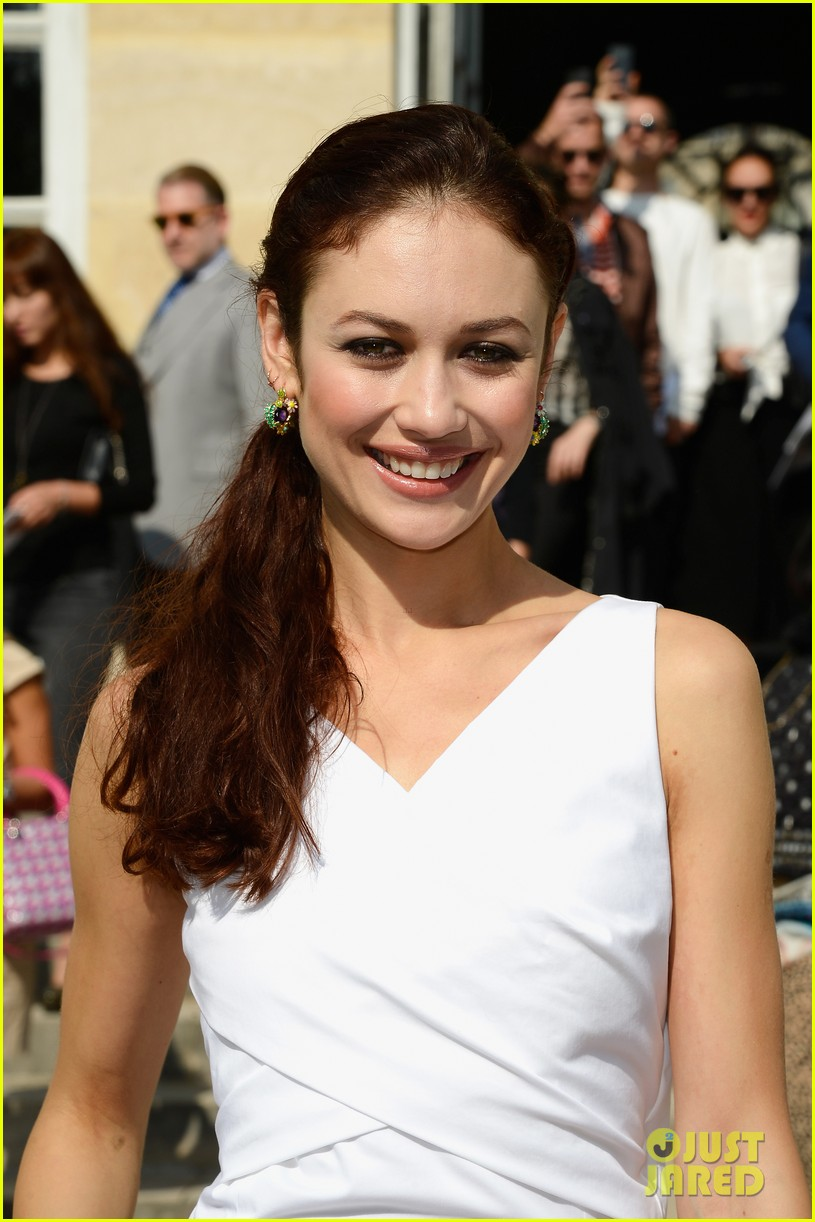 olga kurylenko dior paris fashion show 06