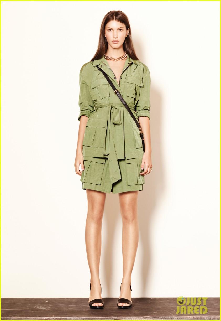 mary kate ashley olsen elizabeth james fashion show 042950877