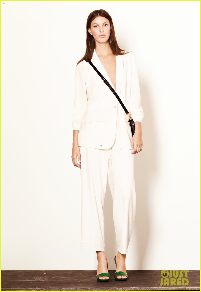 mary kate ashley olsen elizabeth james fashion show 152950888