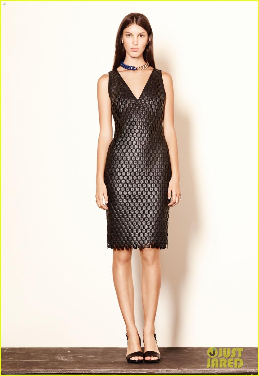 mary kate ashley olsen elizabeth james fashion show 242950897