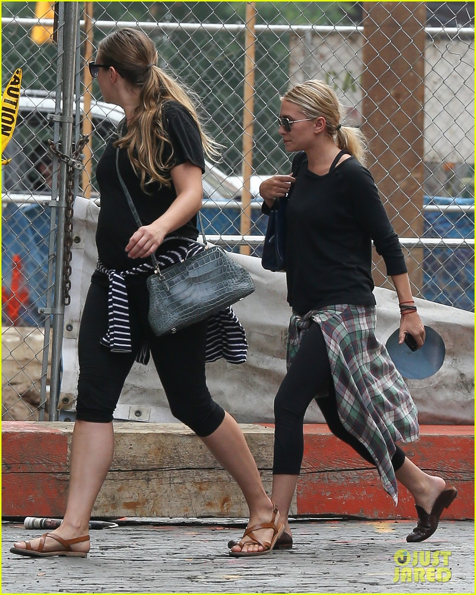 ashley olsen steps out in nyc after john stamos bday party 062941464