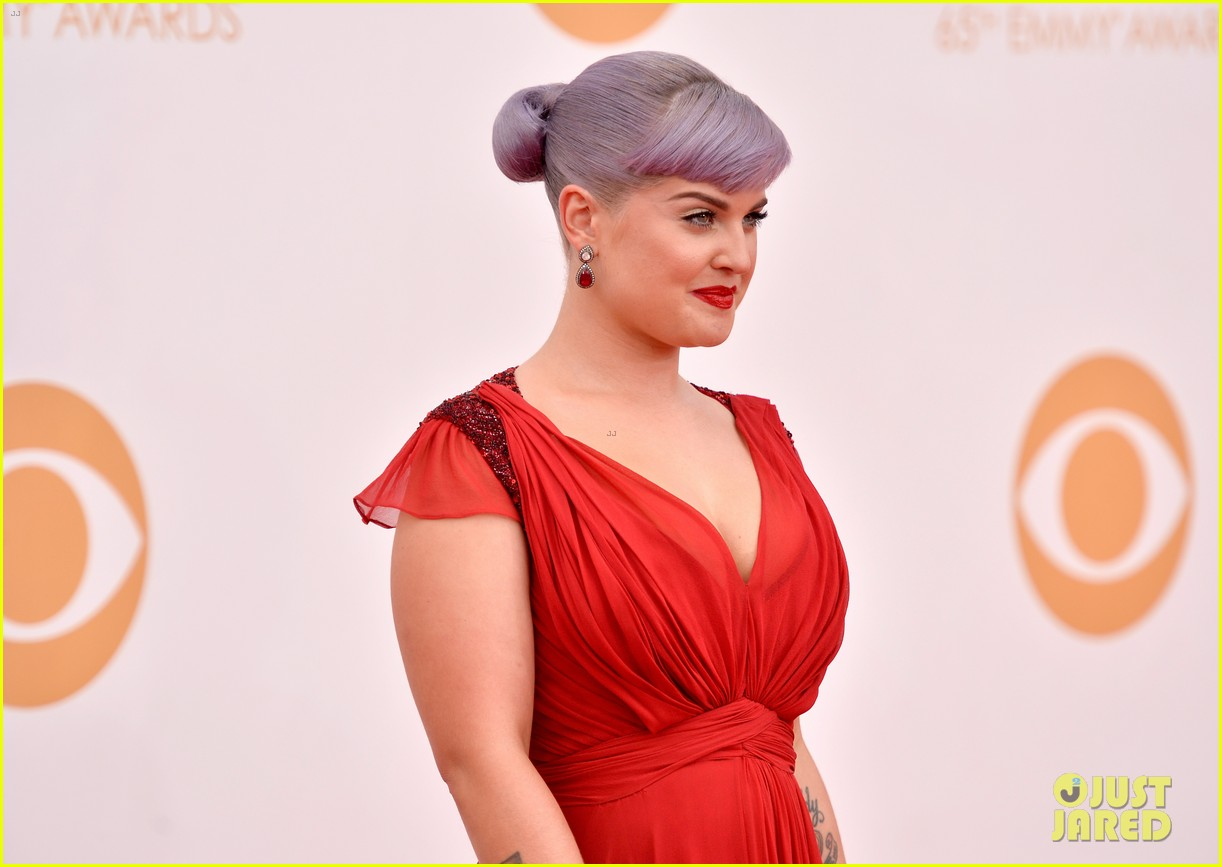 kelly osbourne giuliana rancic emmys 2013 red carpet 162957885