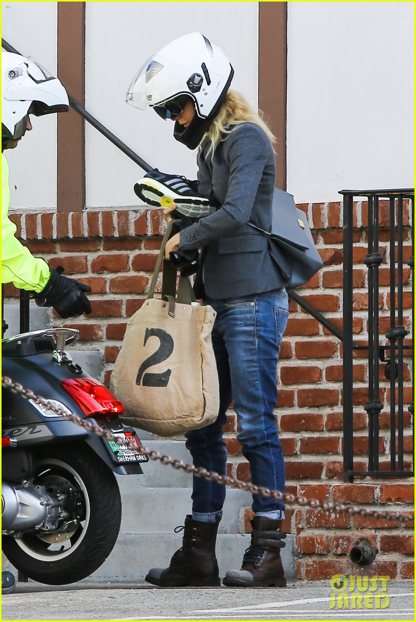gwyneth paltrow rides her vespa to the gym 132949492
