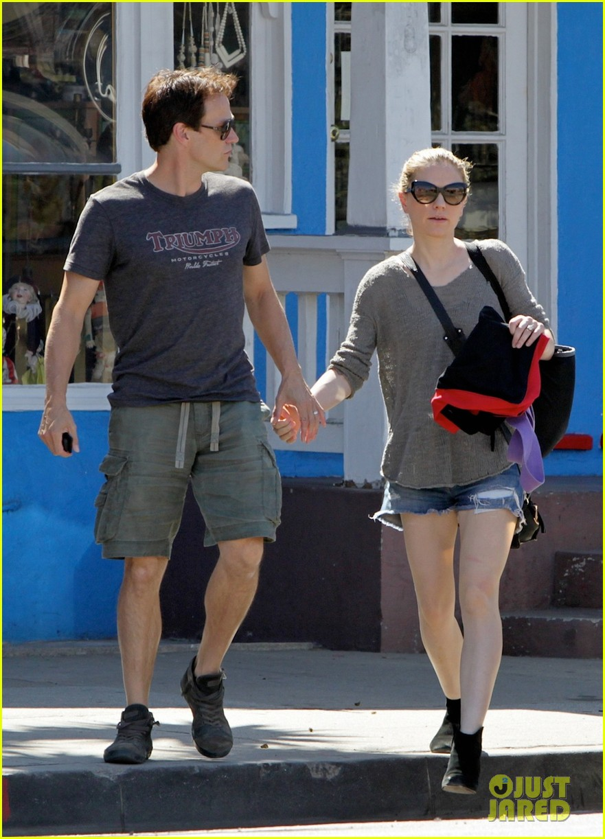 anna paquin stephen moyer loved up in santa monica 032954165