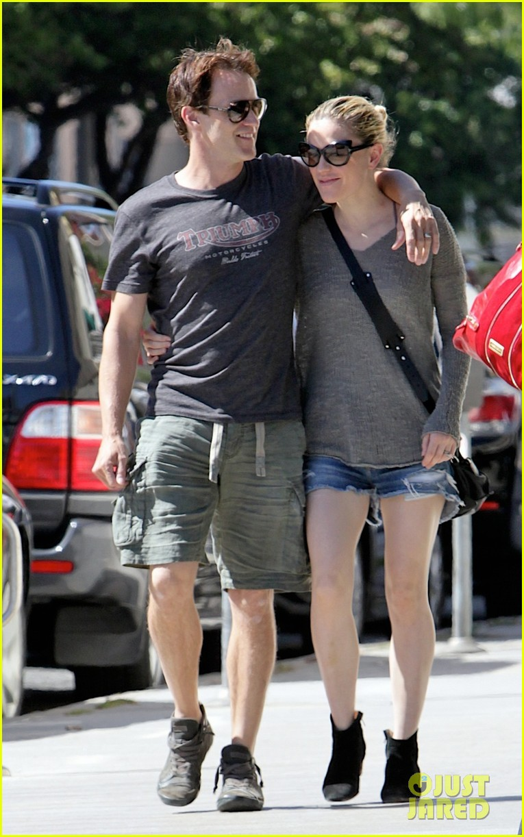 anna paquin stephen moyer loved up in santa monica 042954166