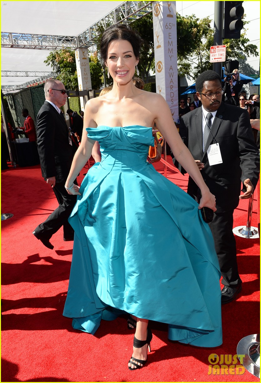 jessica pare james wolk emmys 2013 red carpet 022958029