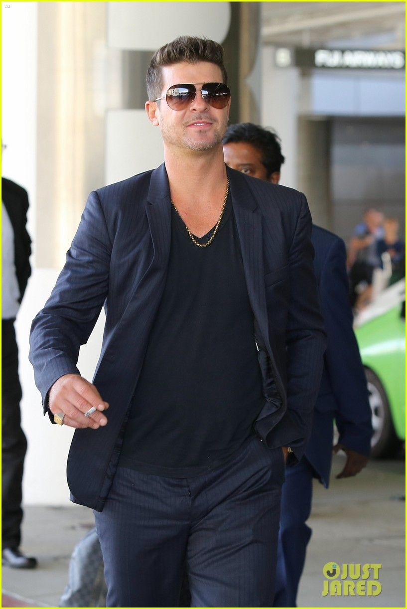 paula patton baggage claim premiere with robin thicke 062960165