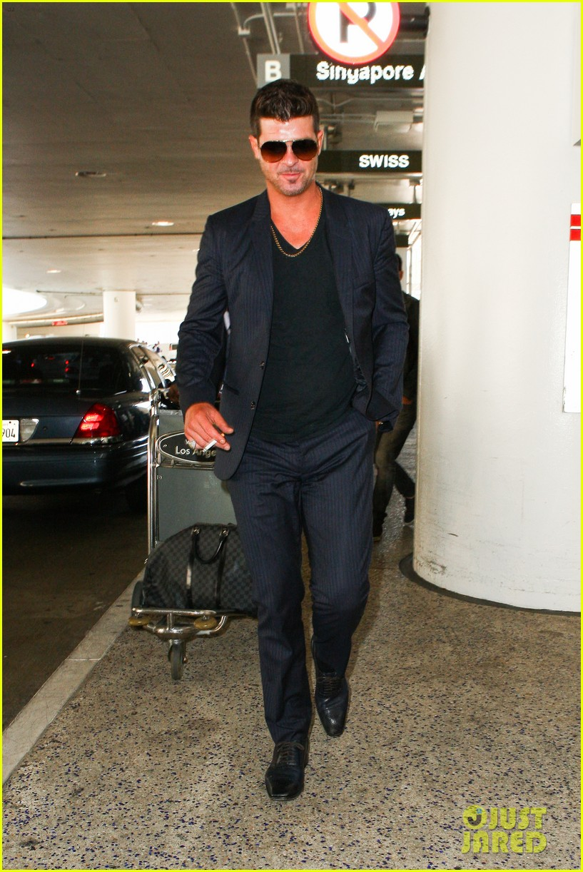 paula patton baggage claim premiere with robin thicke 092960168
