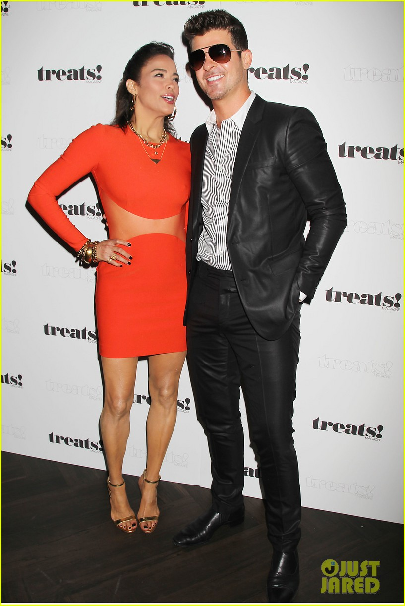paula patton kisses robin thicke at his album release party 122944329