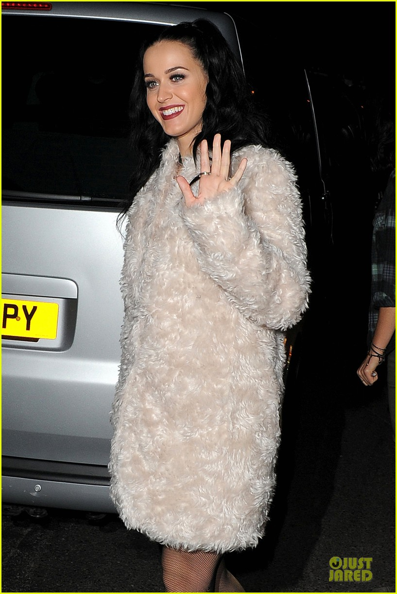 katy perry debuts by the grace of god at itunes festival 082963538