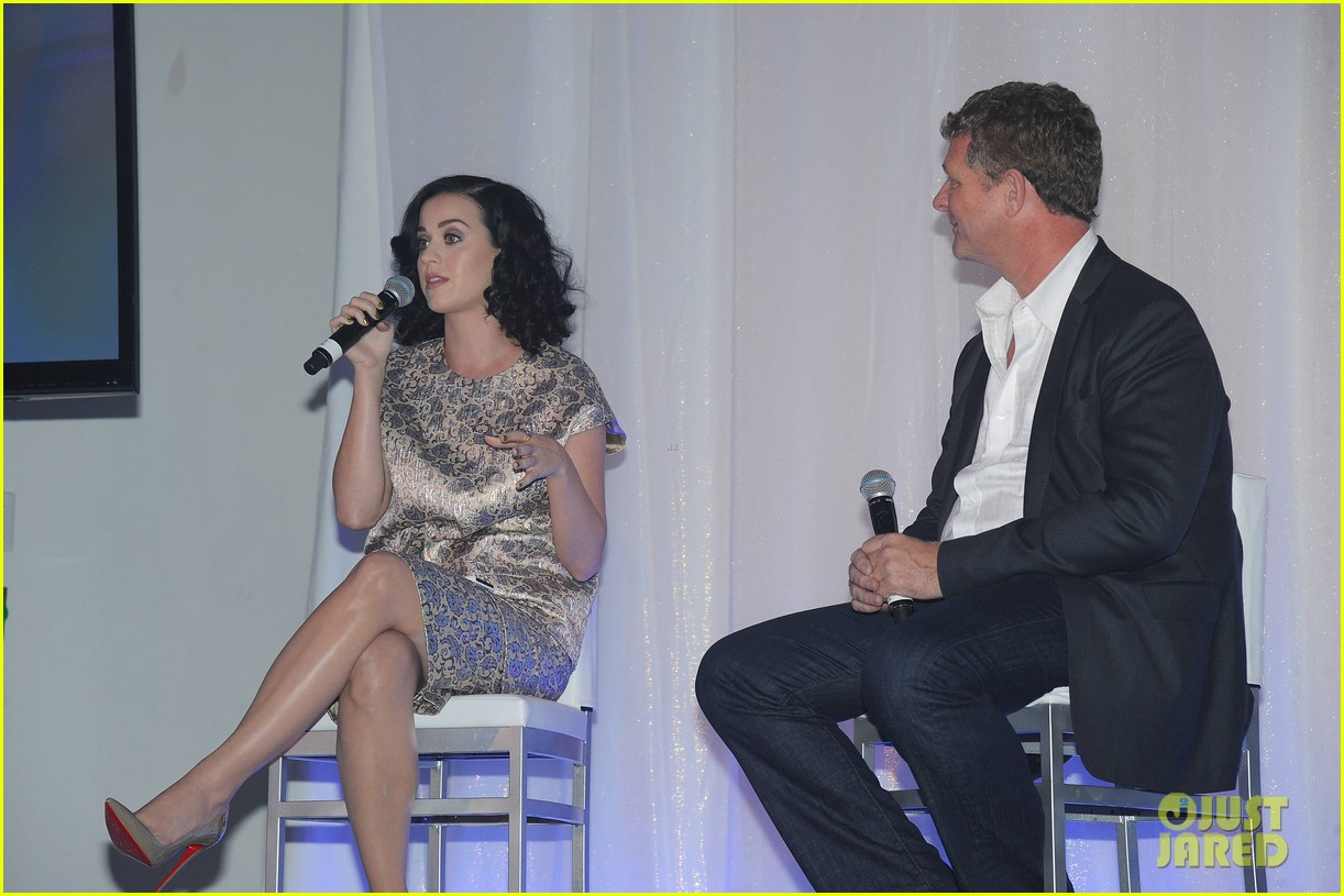 katy perry prism album listening party 052945087