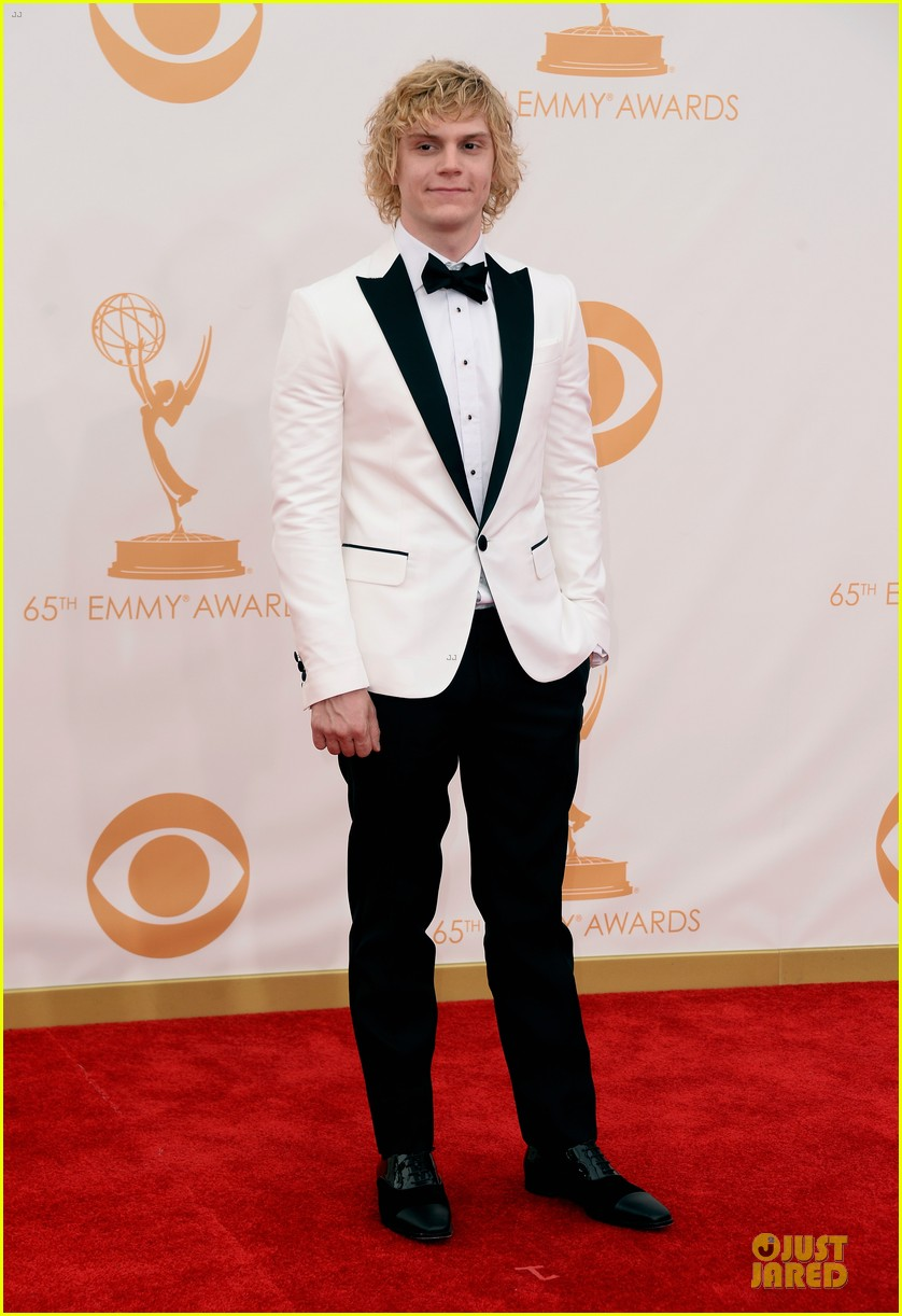 evan peters lily rabe emmys 2013 red carpet 01
