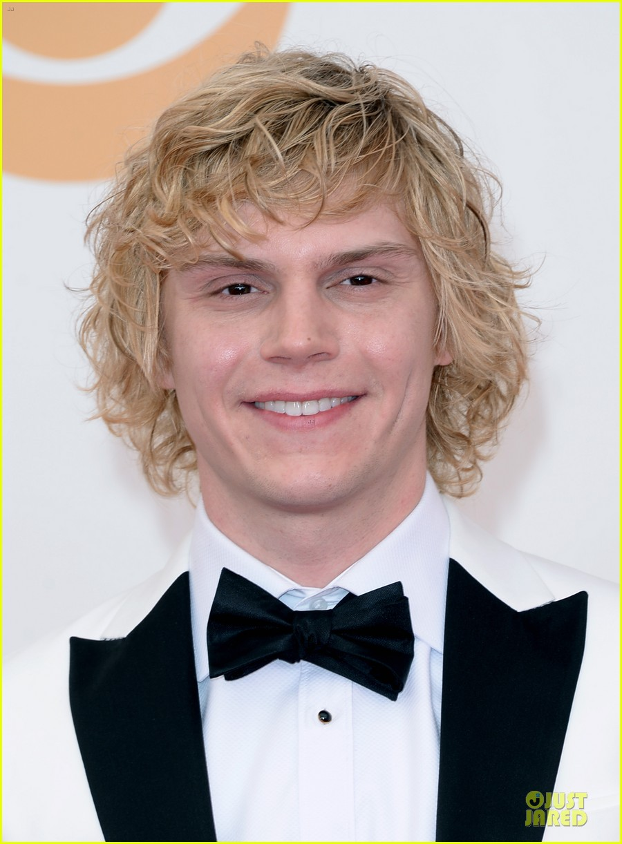 evan peters lily rabe emmys 2013 red carpet 022958020