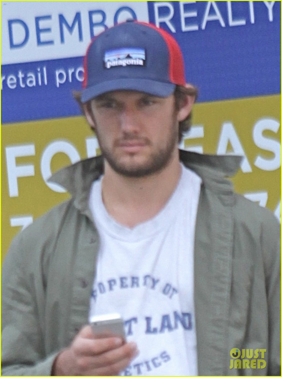 alex pettyfer makes video confirming his instagram account 042955125