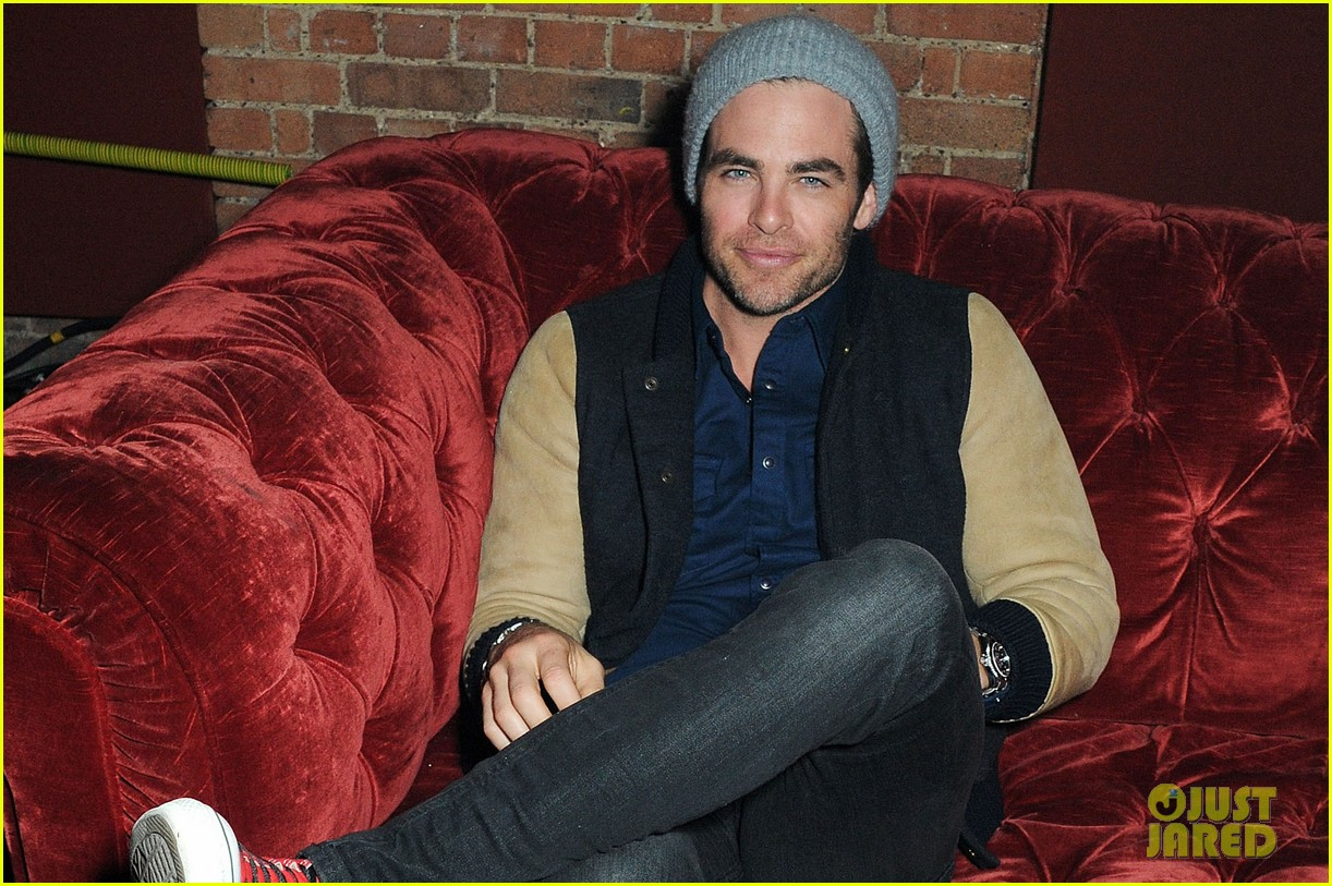chris pine zoe kravitz london fashion week parties 02