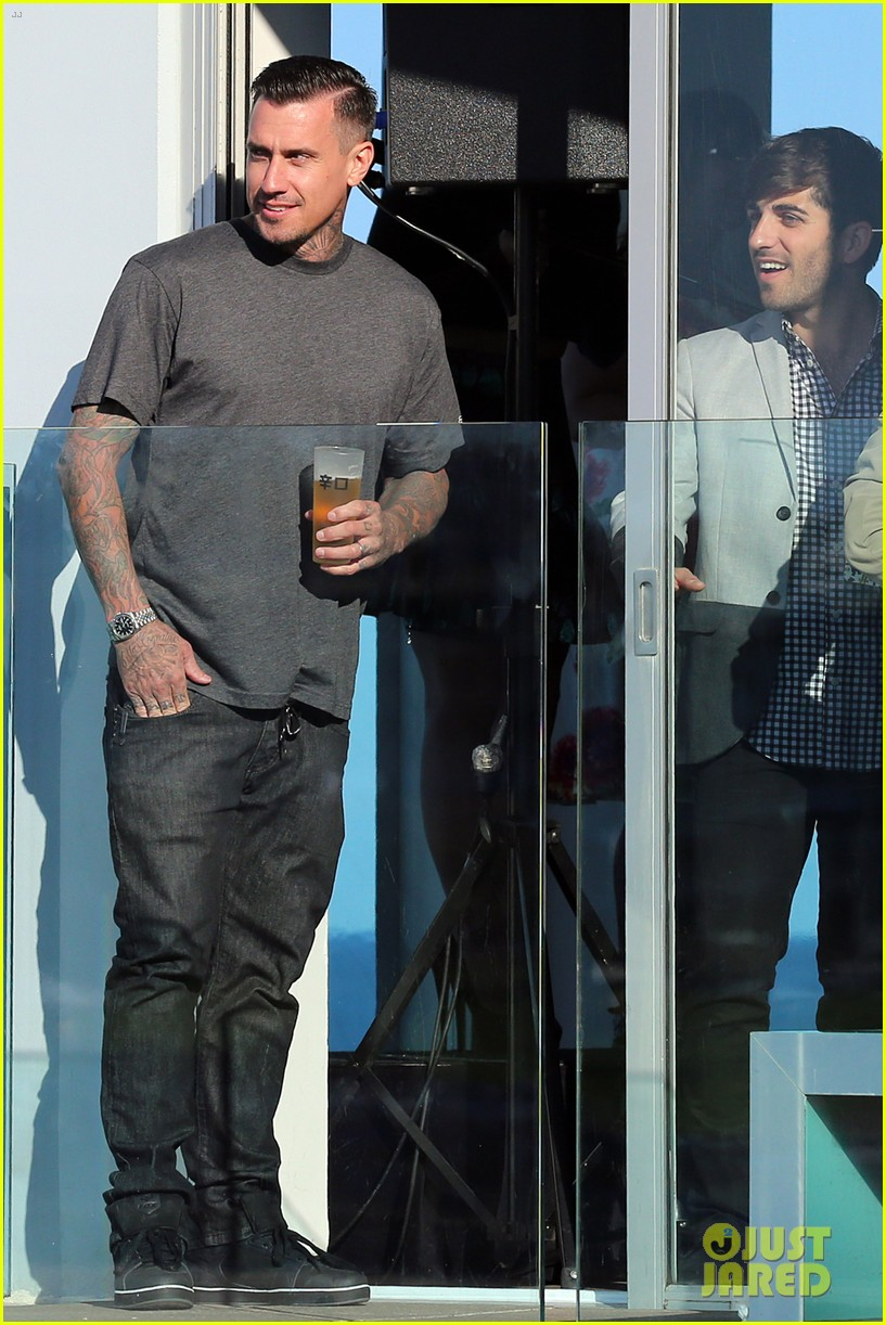 pink carey hart meet with record executives in sydney 262944158