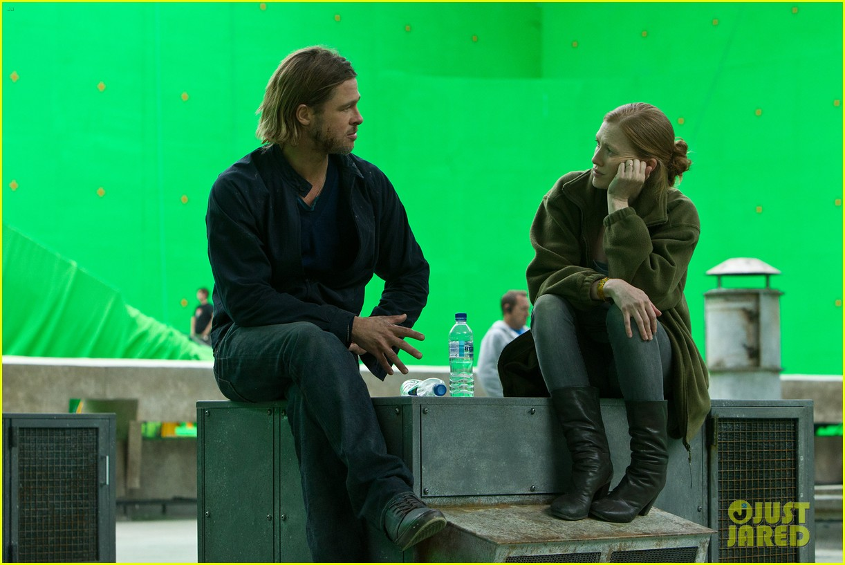 brad pitt world war z exclusive behind the scenes photo 032953904