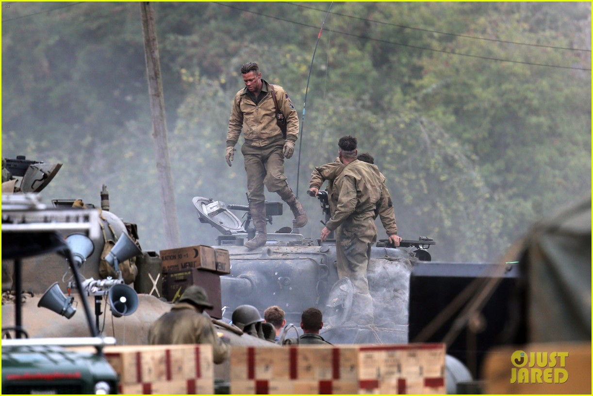 brad pitt rocks slicked back hair army outfit on fury set 032963193