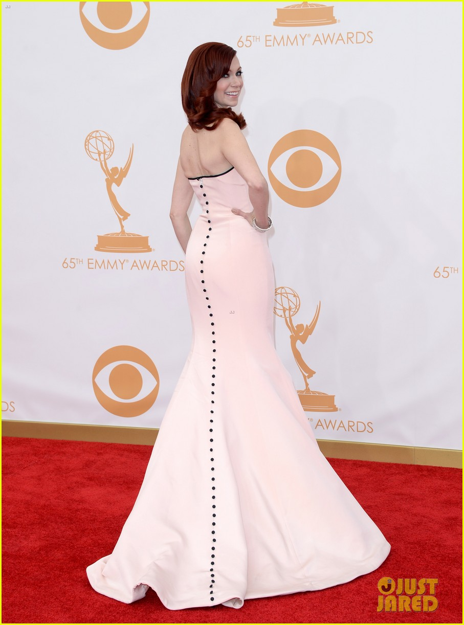 carrie preston linda cardellini emmys 2013 red carpet 112957913