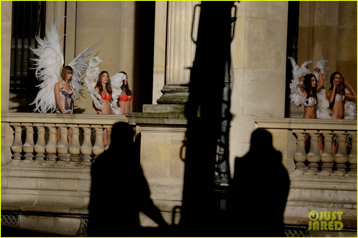 behati prinsloo lily aldridge vs angels louvre shoot 082954557