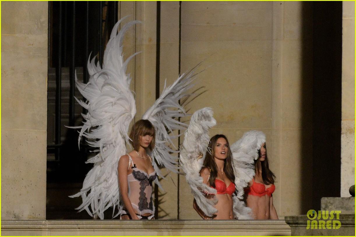 behati prinsloo lily aldridge vs angels louvre shoot 092954558