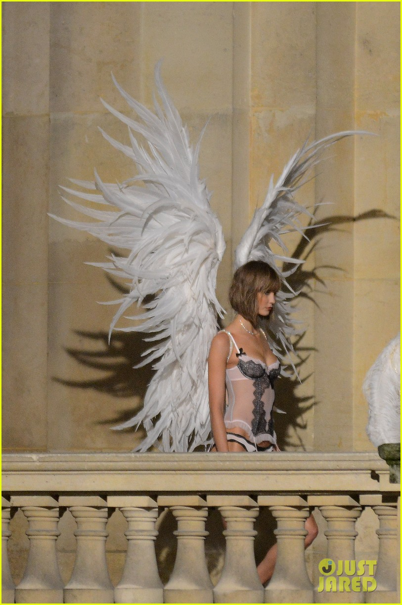 behati prinsloo lily aldridge vs angels louvre shoot 15