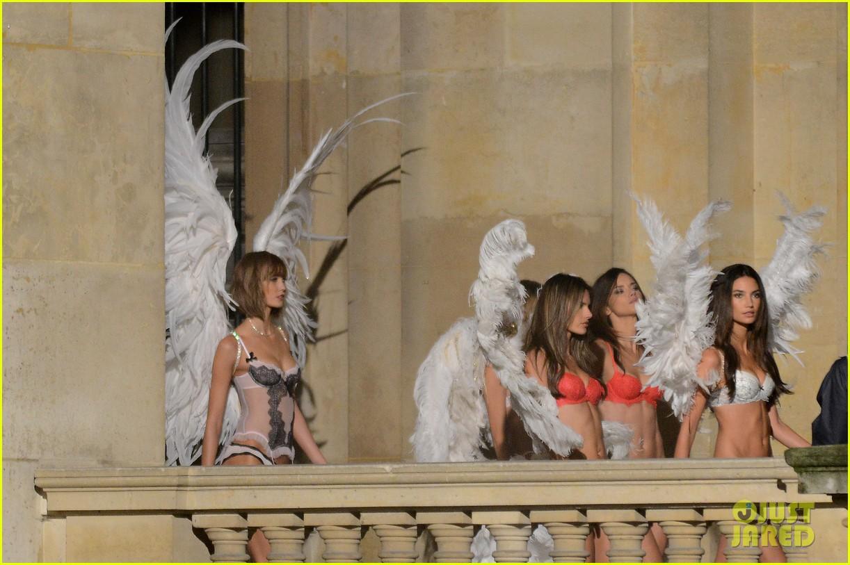 behati prinsloo lily aldridge vs angels louvre shoot 162954565