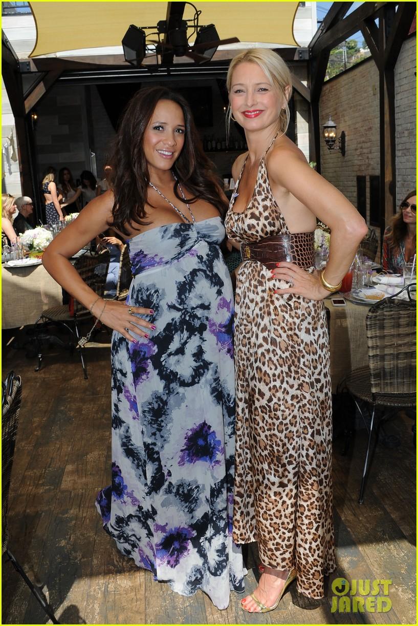 dania ramirez baby shower with devious maids ladies 152958943