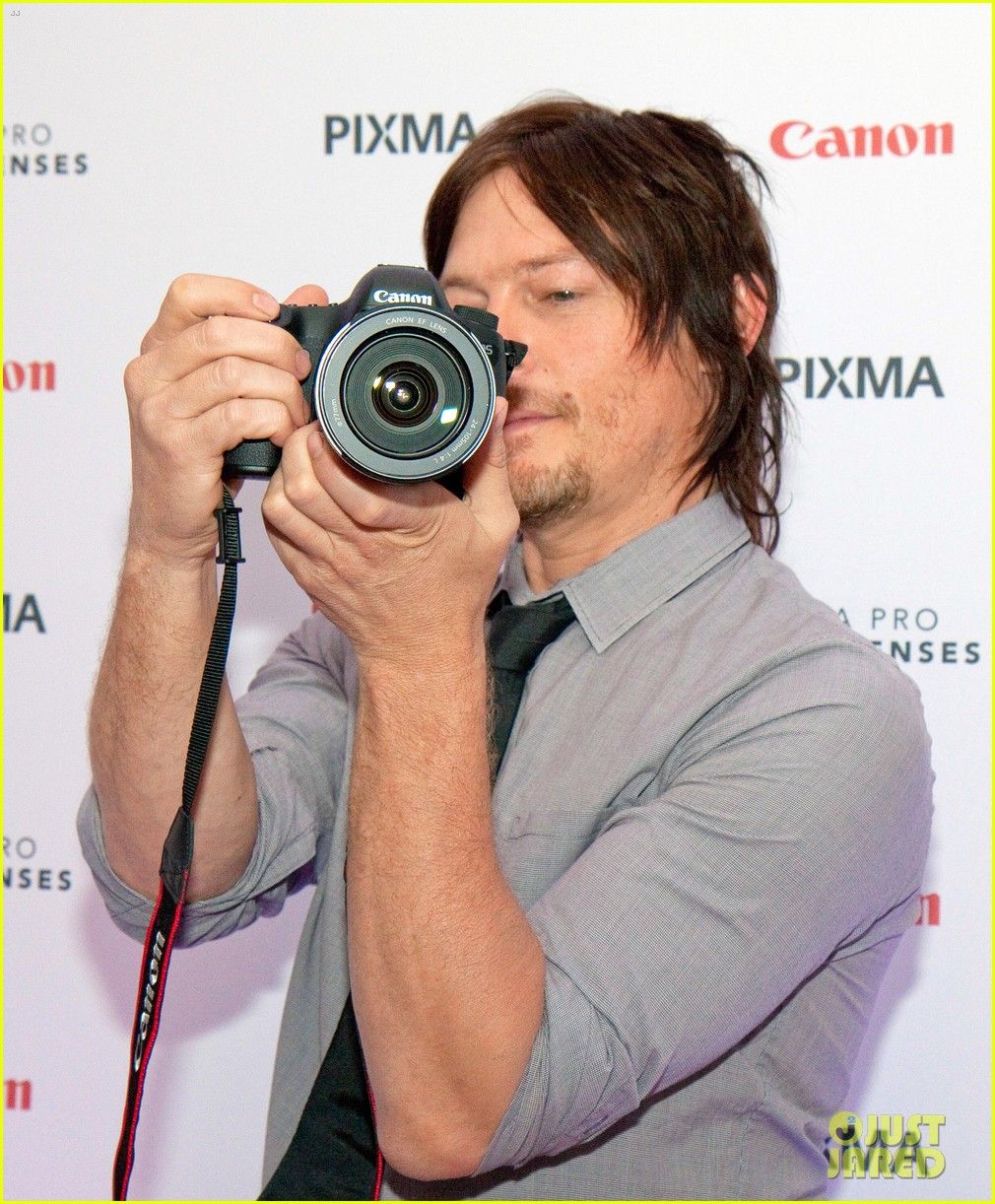 norman reedus canon pixma pro city senses gallery host 022960939