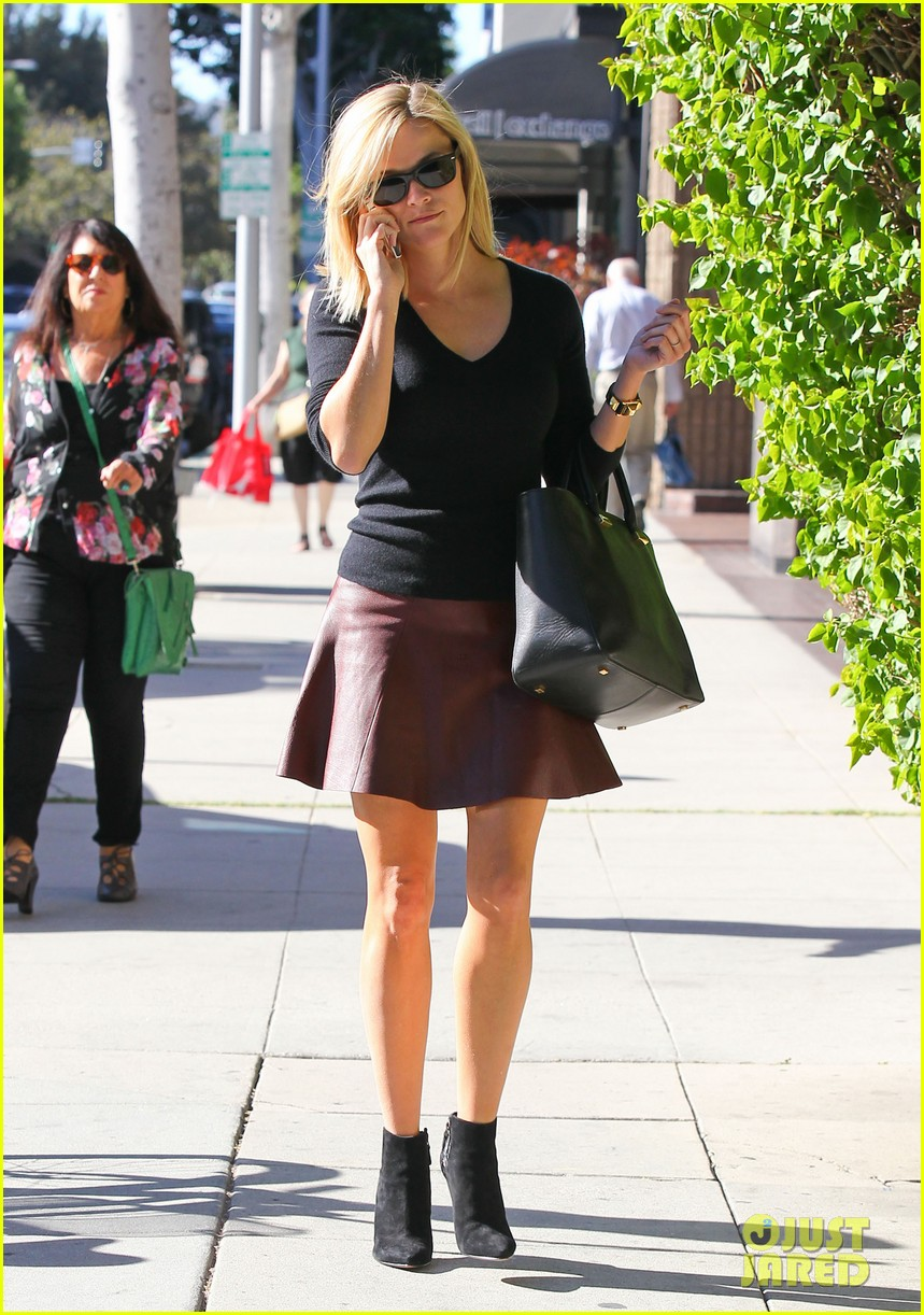 reese witherspoon does outfit change in beverly hills 062961053
