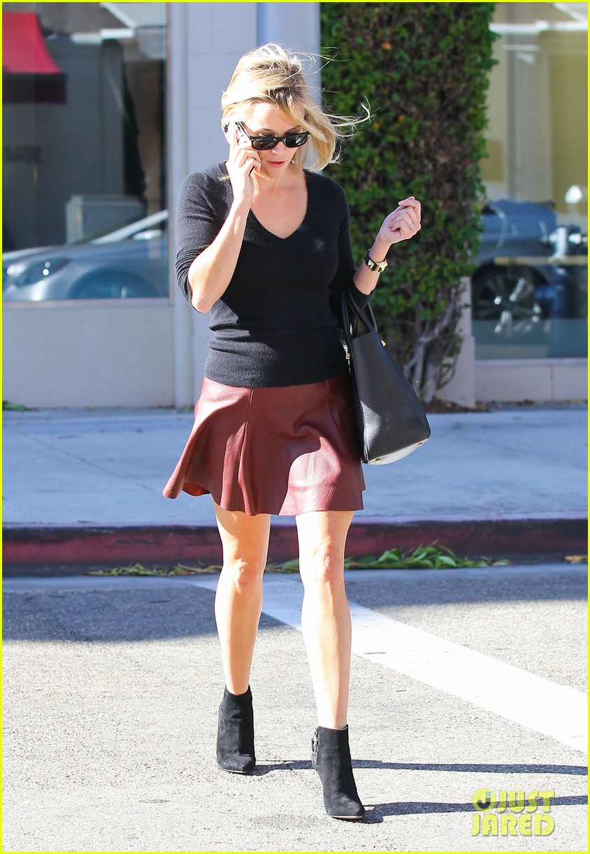reese witherspoon does outfit change in beverly hills 082961055