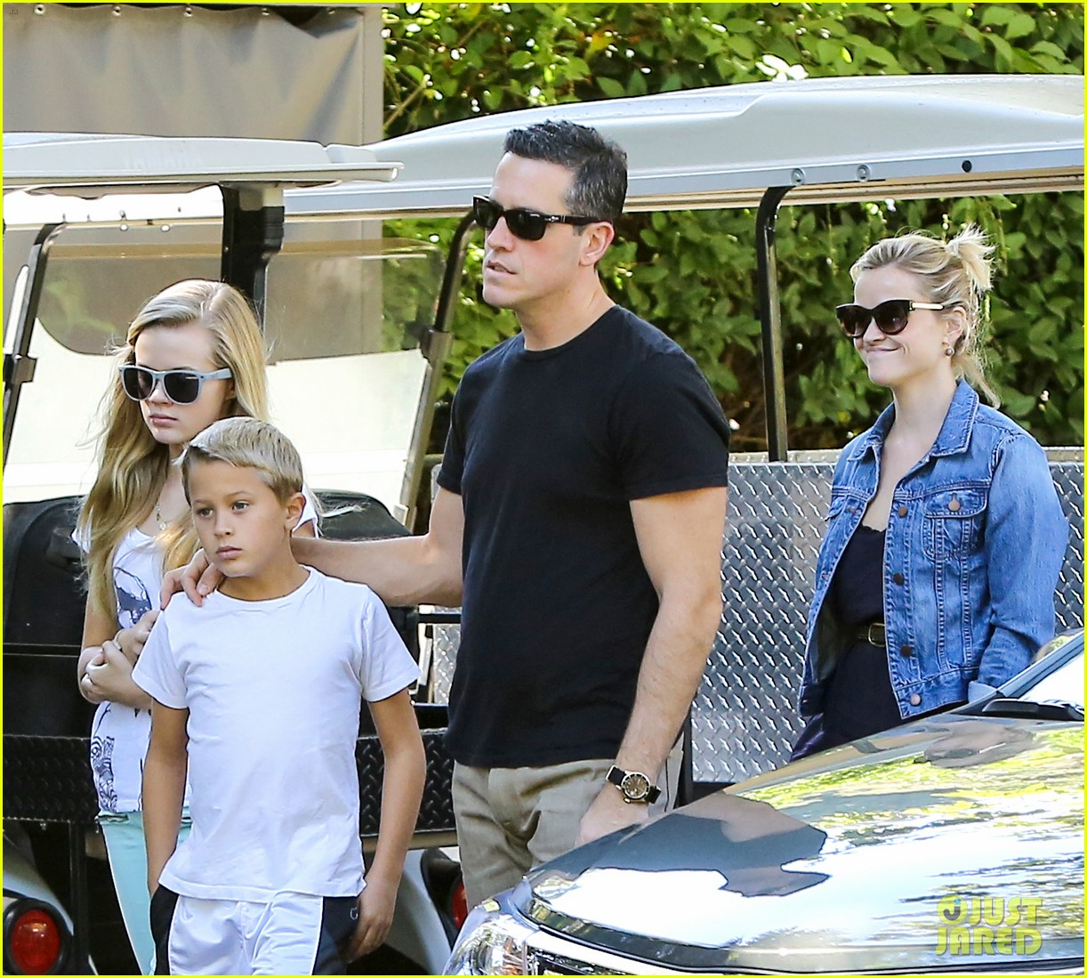 reese witherspoon supports jessica alba the honest company 262962755