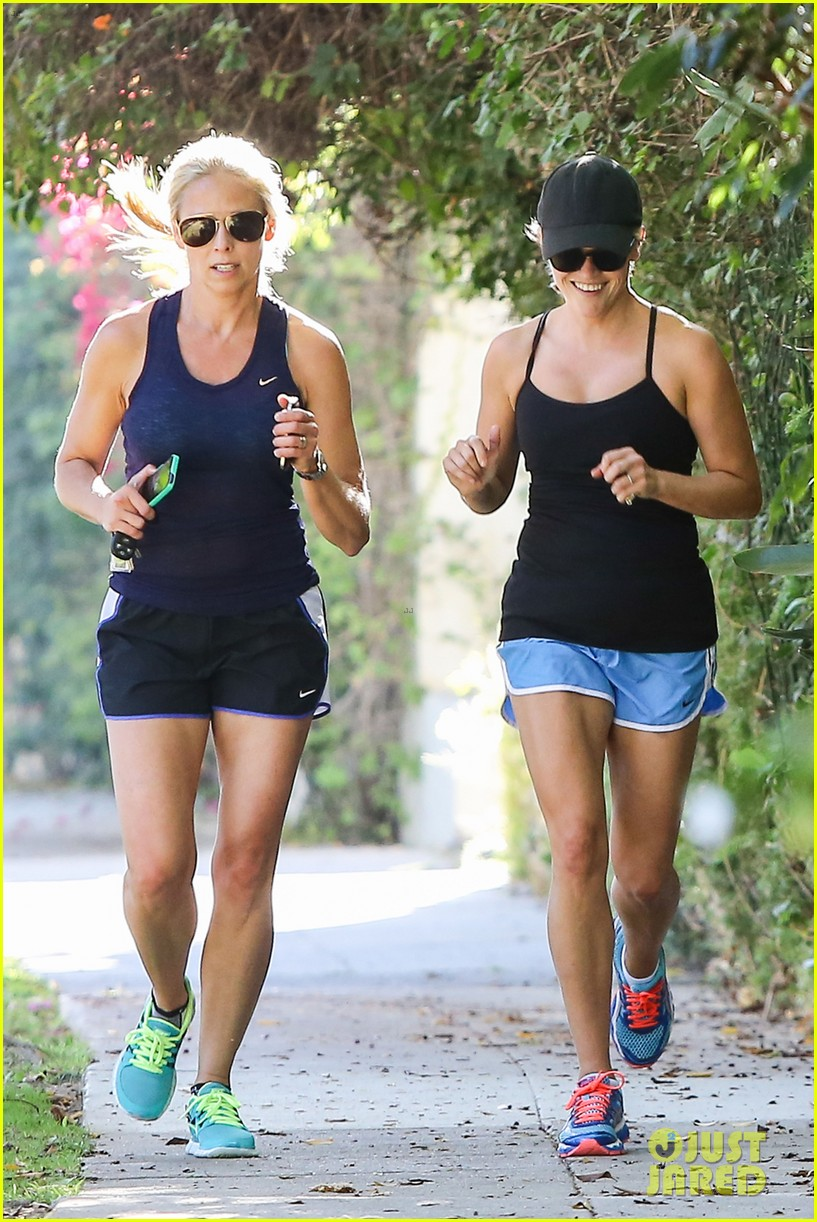 reese witherspoon supports jessica alba the honest company 342962763