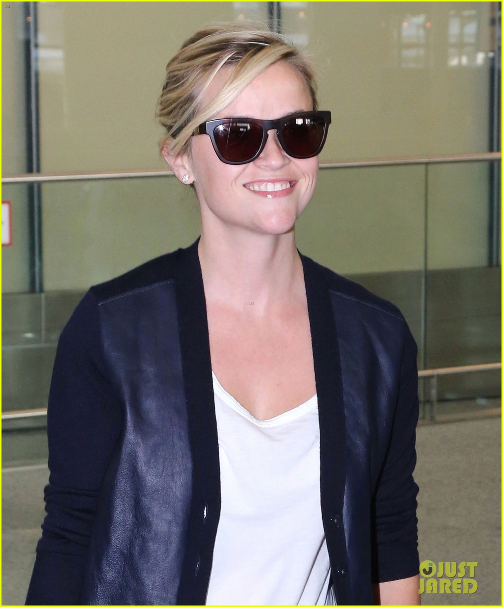 reese witherspoon arrives in toronto for tiff 022947230