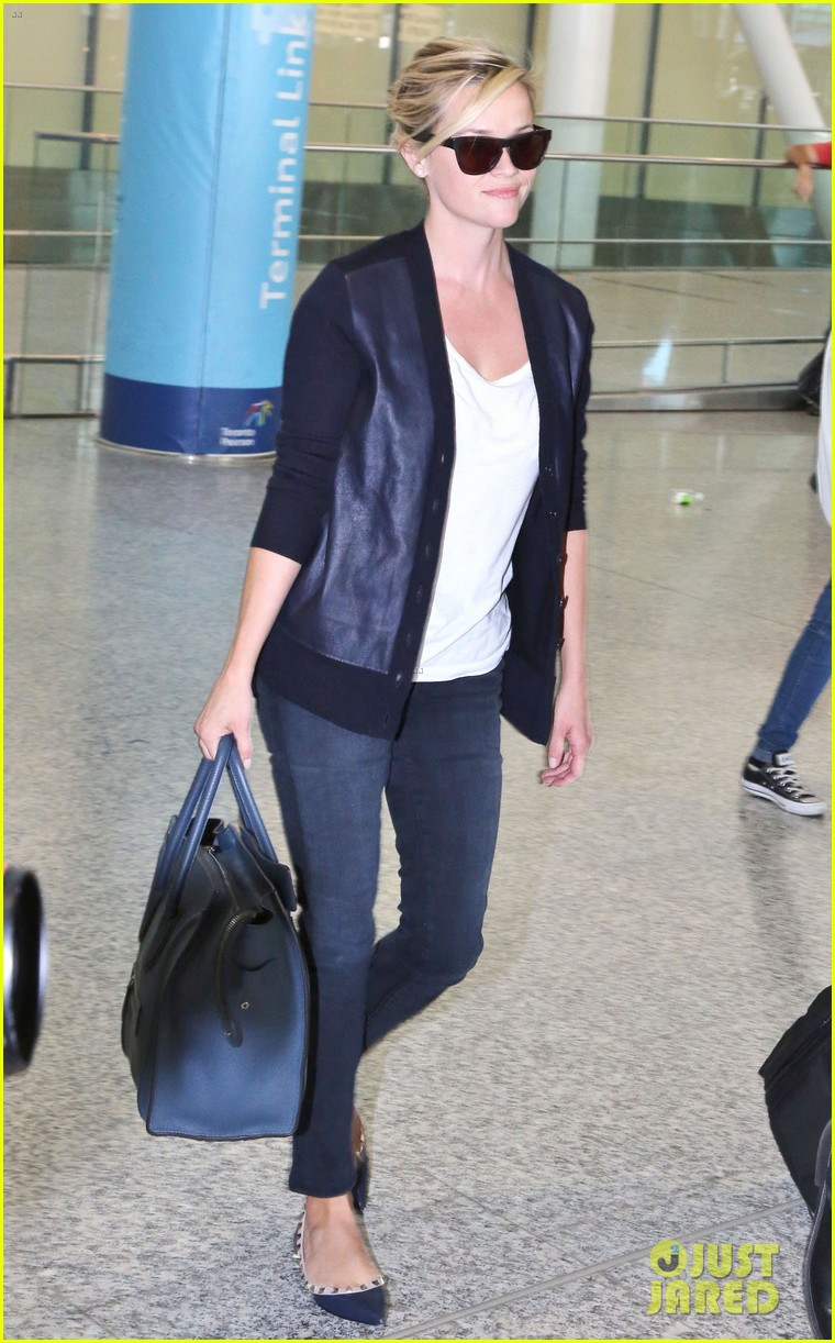 reese witherspoon arrives in toronto for tiff 042947232