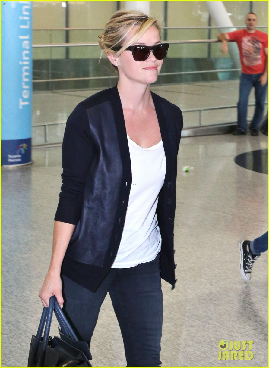 reese witherspoon arrives in toronto for tiff 072947235