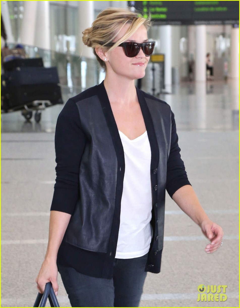 reese witherspoon arrives in toronto for tiff 102947238