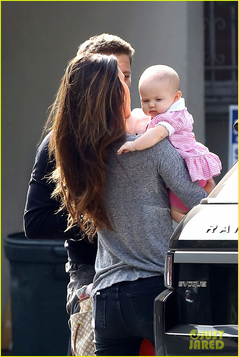 jeremy renner debuts adorable baby ava 02
