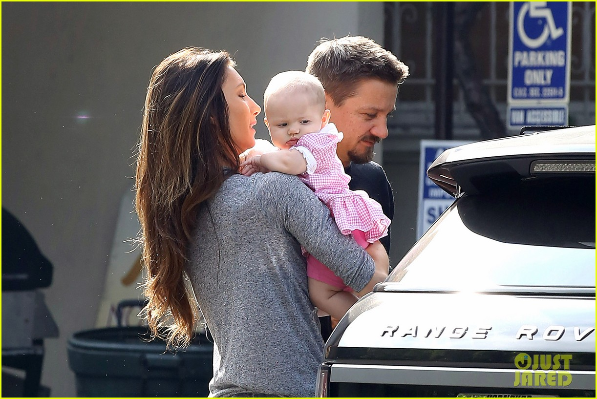 jeremy renner debuts adorable baby ava 072955490