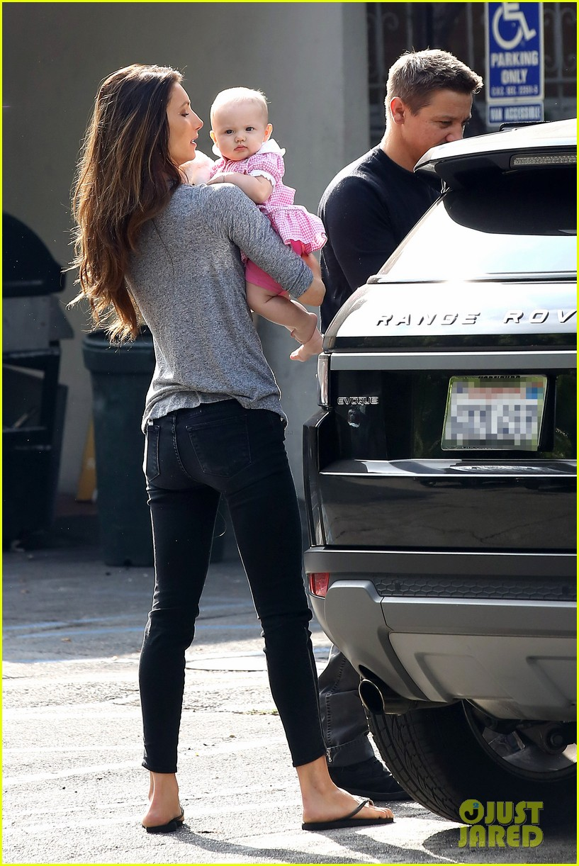 jeremy renner debuts adorable baby ava 092955492
