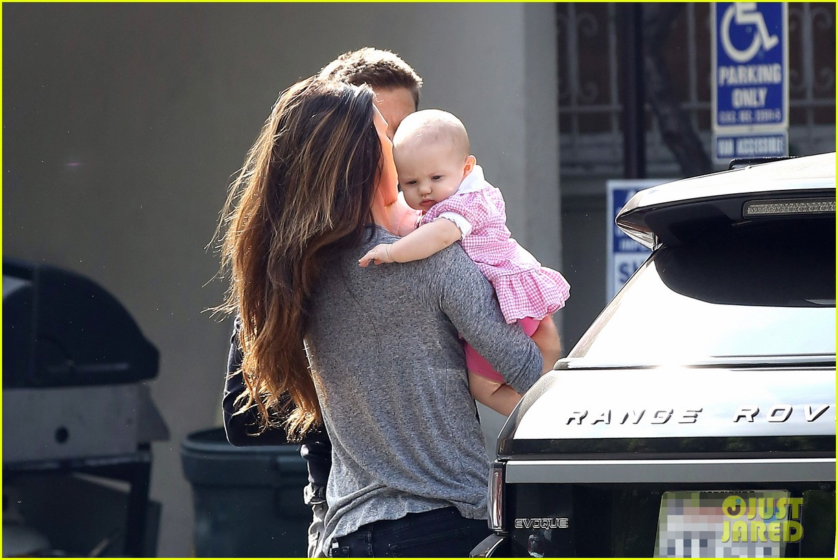 jeremy renner debuts adorable baby ava 242955507