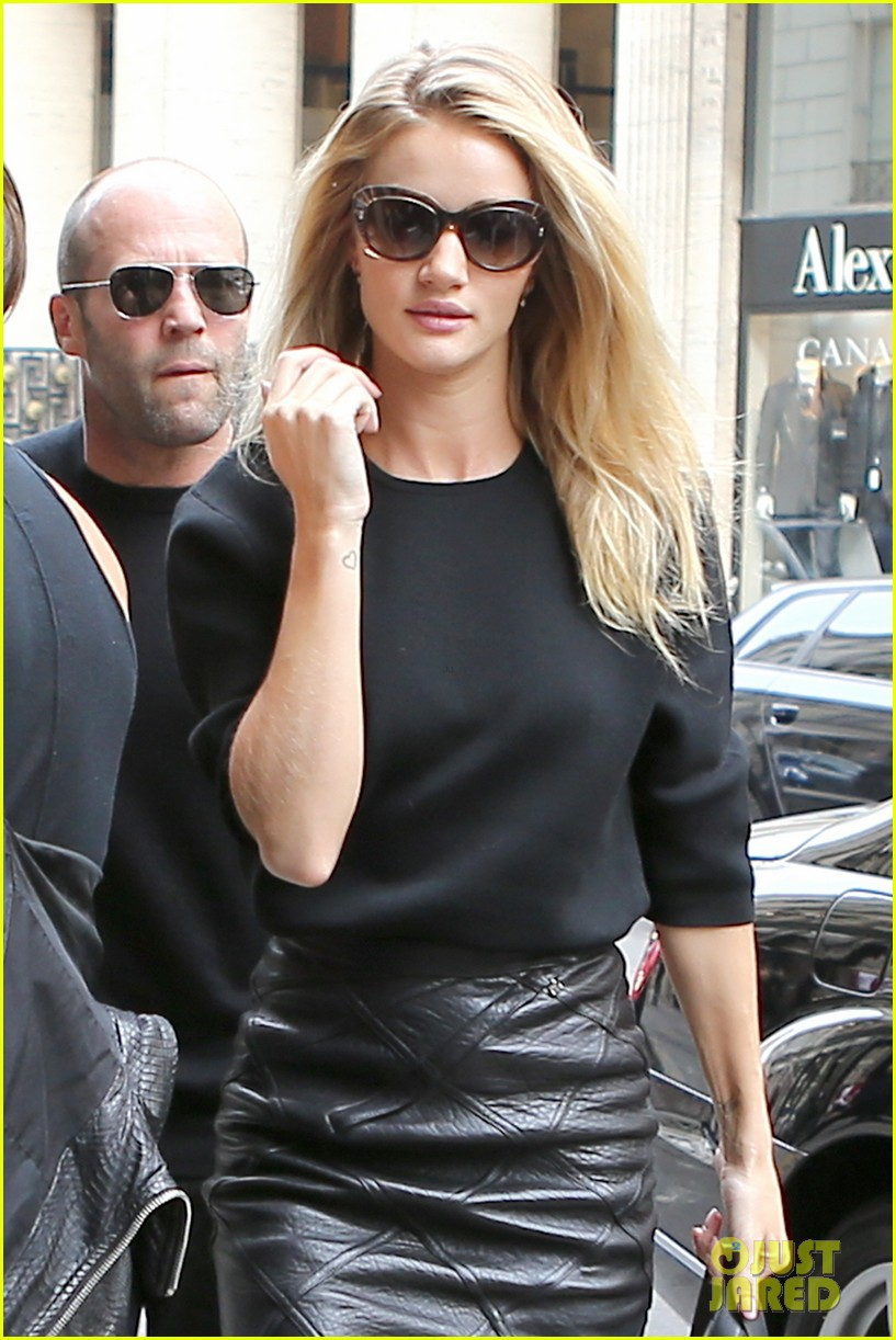 rosie huntington whiteley walks runway at balmain show 022960510