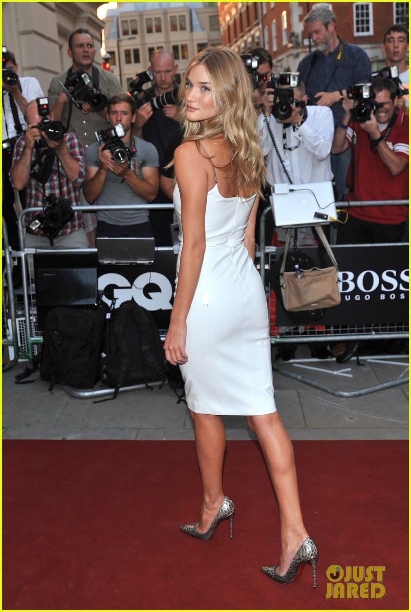 rosie huntington whiteley gq men of the year awards 2013 022943037