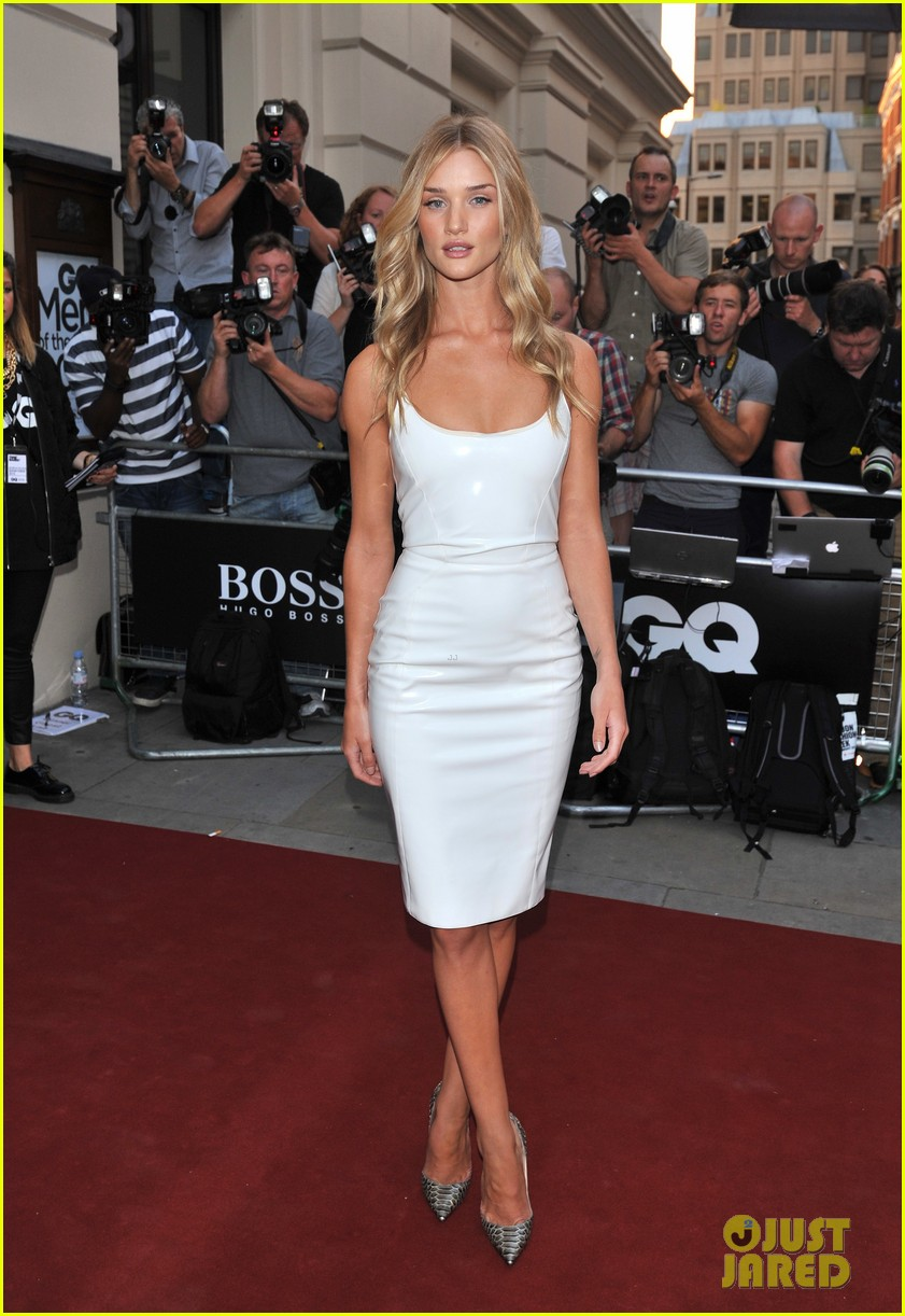 rosie huntington whiteley gq men of the year awards 2013 032943038