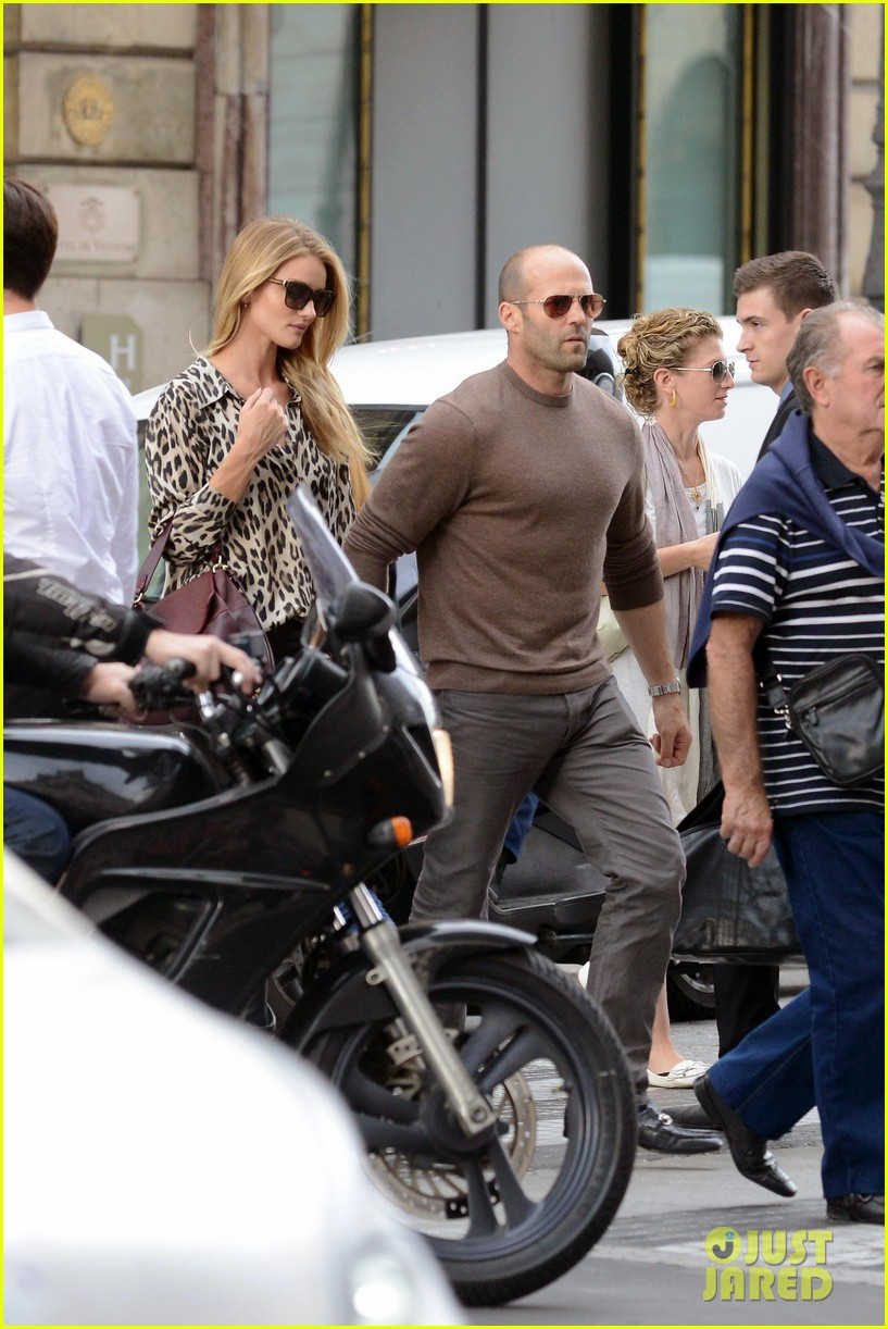 rosie huntington whiteley jason statham step out hold hands 052959808
