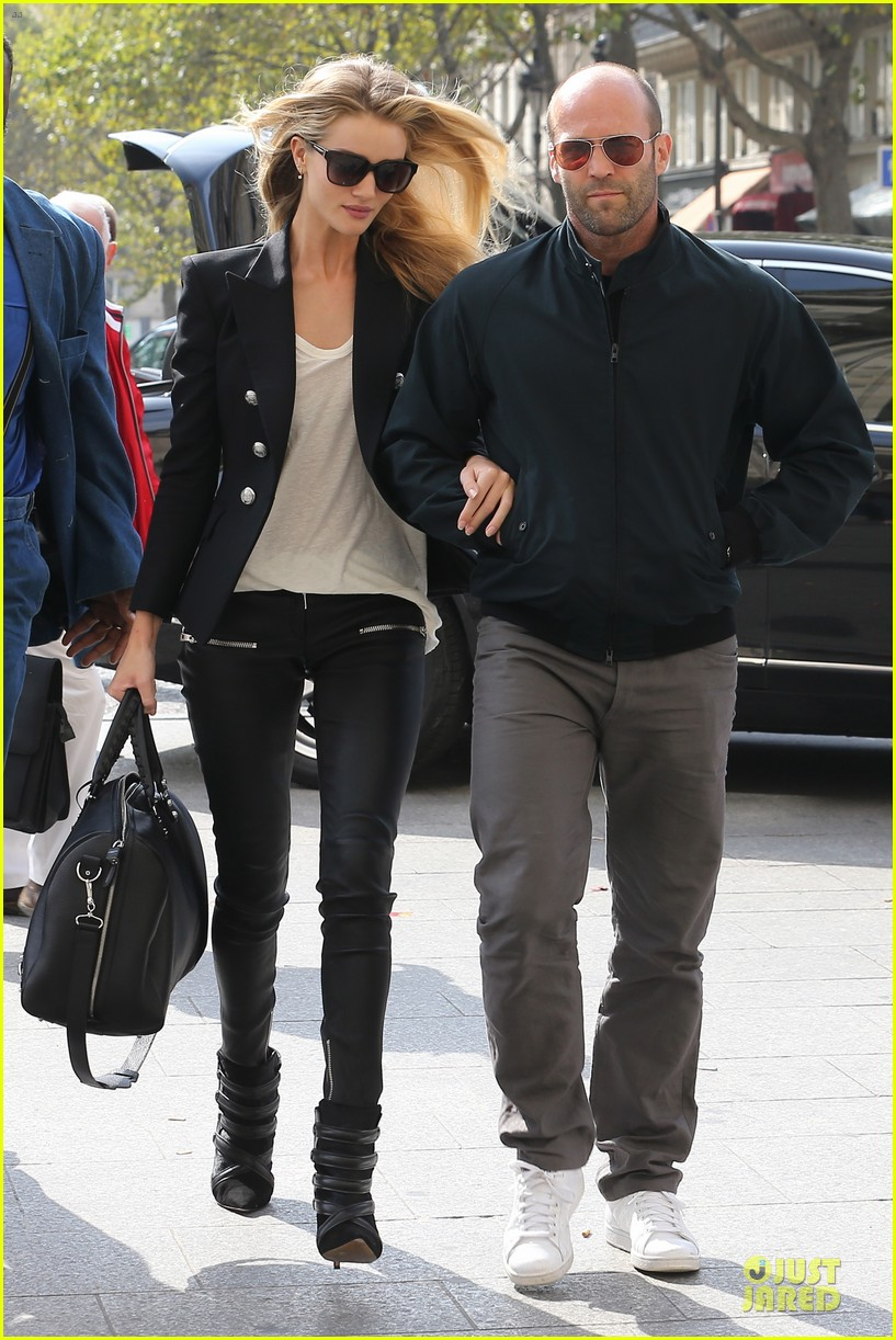 rosie huntington whiteley jason statham hook arms in europe 012961473