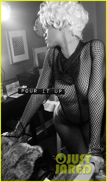 rihanna pour it up behind the scenes video pics 032962477