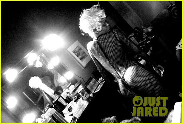 rihanna pour it up behind the scenes video pics 062962480