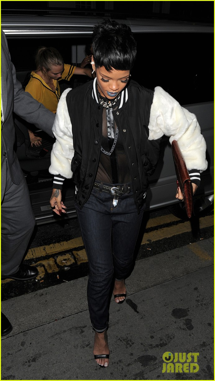 rihanna early wake up call after night out with cara delevingne 032949939